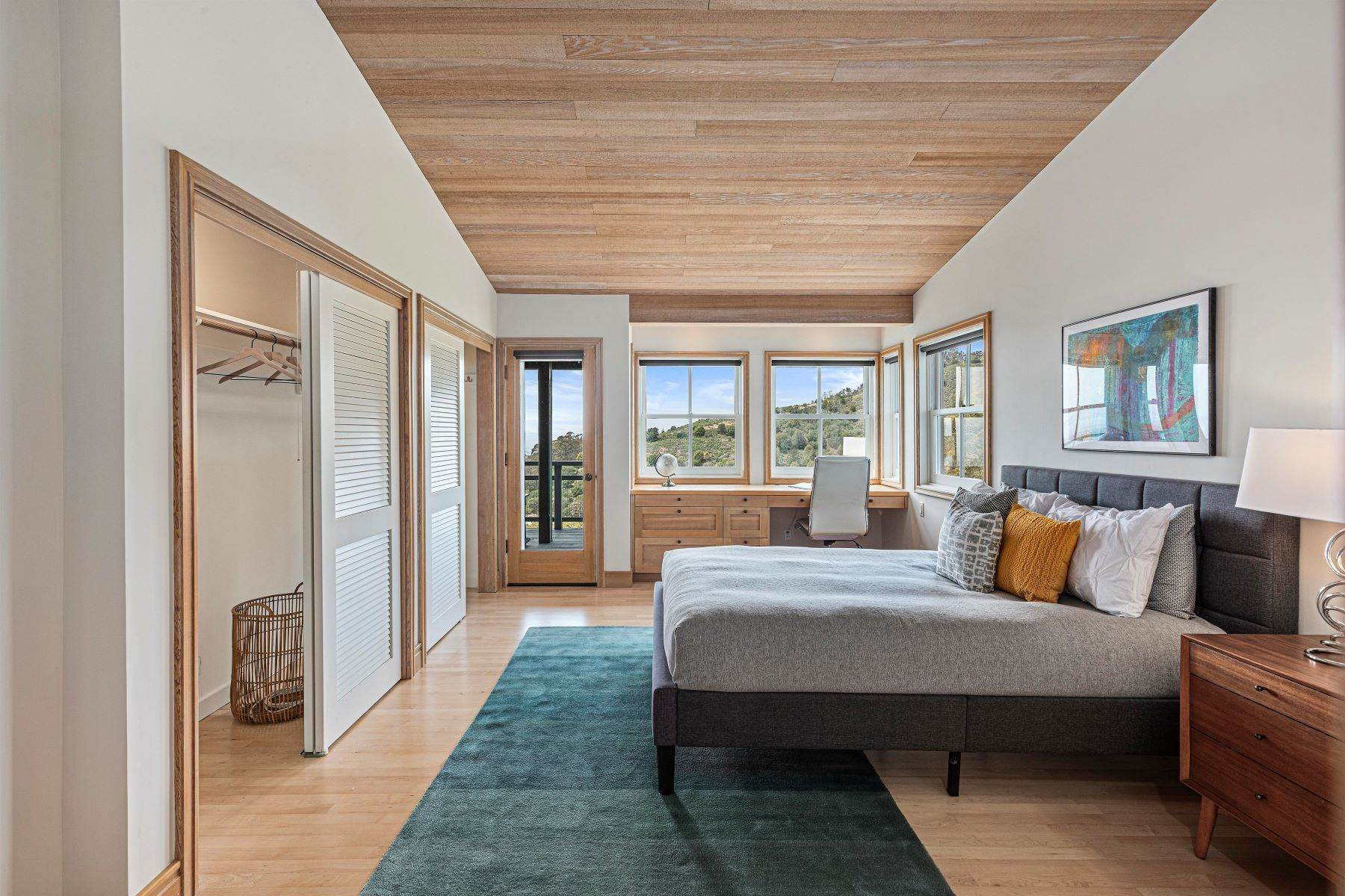 20. Single Family Homes for Sale at Architecturally Designed Home with Sweeping Bay Views 357 Gravatt Drive Berkeley, California 94705 United States