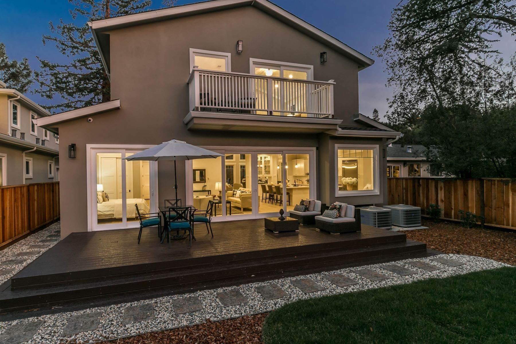 23. Single Family Homes for Sale at Brand New Menlo Park Home 611 12th Avenue Menlo Park, California 94025 United States