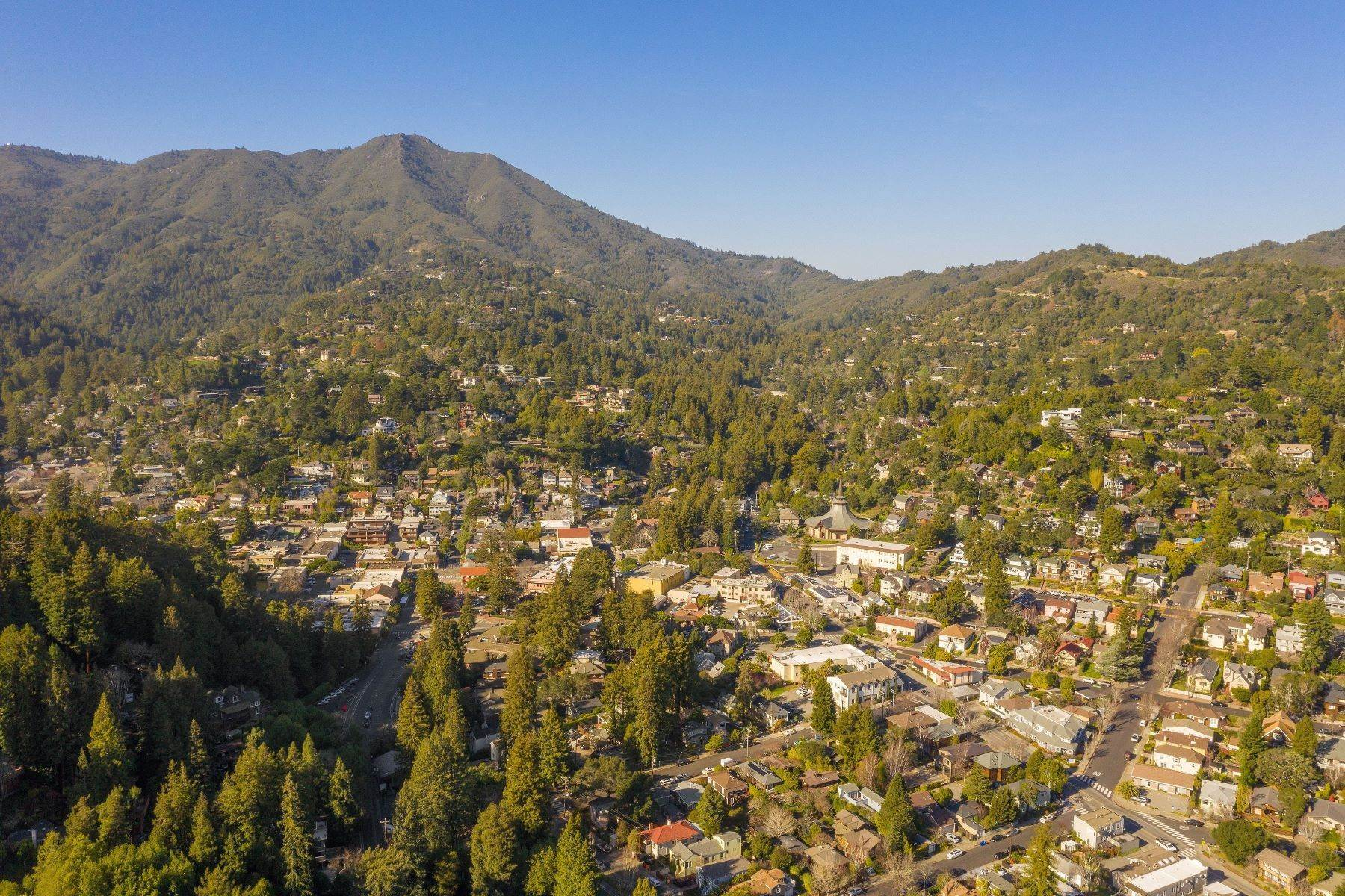 10. Single Family Homes for Sale at Modern Mill Valley New Construction 216 Ethel Avenue Mill Valley, California 94941 United States