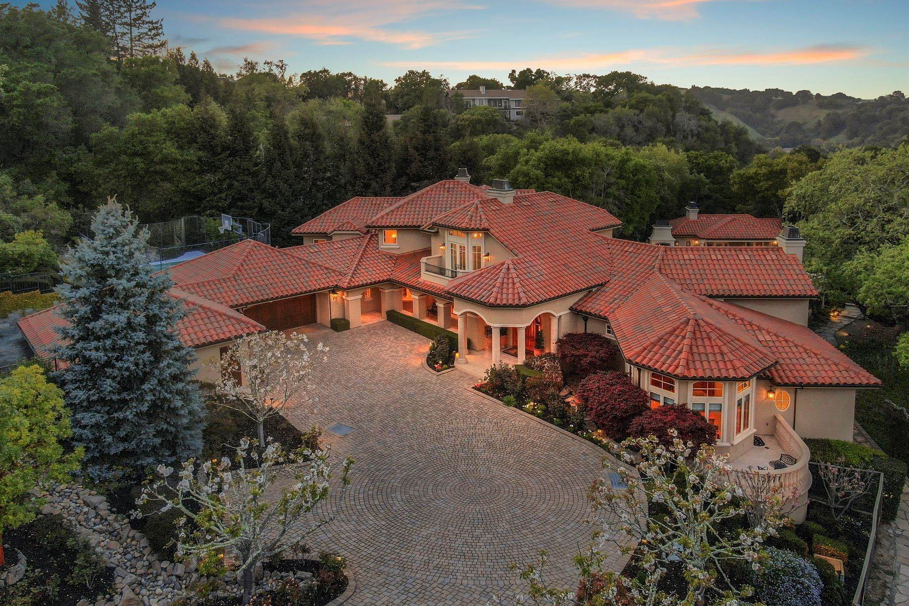 2. Single Family Homes for Sale at Custom Built Mediterranean with Views 4200 Canyon Road Lafayette, California 94549 United States