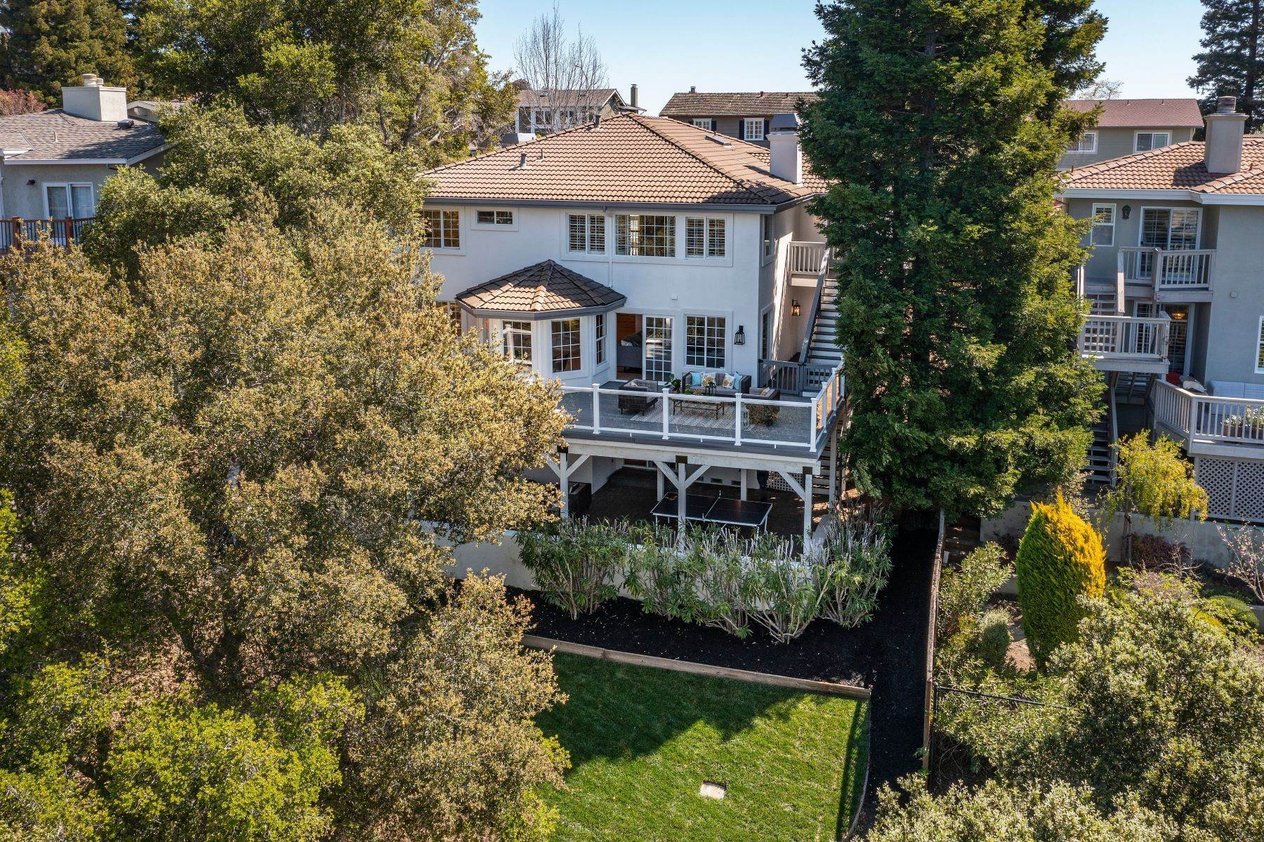 34. Single Family Homes for Sale at Stunning Home in Prestigious San Carlos Neighborhood 1332 Pebble Drive San Carlos, California 94070 United States