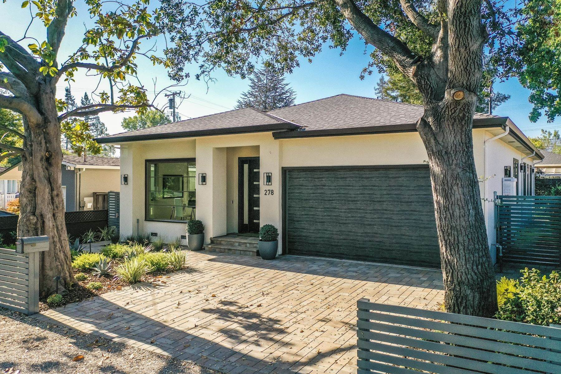 Single Family Homes für Verkauf beim Brand New, Custom-Built Home with Designer Touches and High-End Finishes 278 Beresford Avenue Redwood City, Kalifornien 94061 Vereinigte Staaten