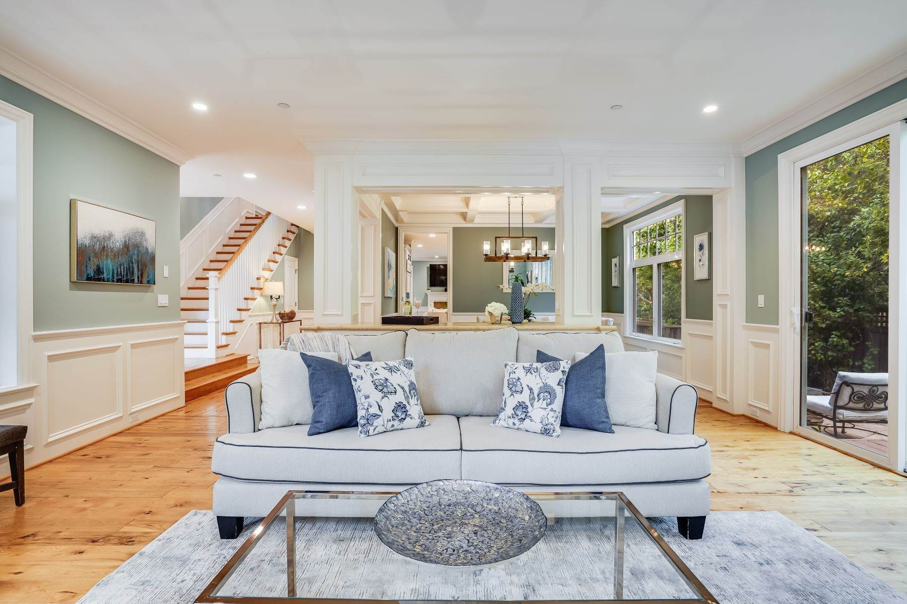 11. Single Family Homes for Sale at Exquisite Home in Excellent San Carlos Location 38 Pine Avenue San Carlos, California 94070 United States
