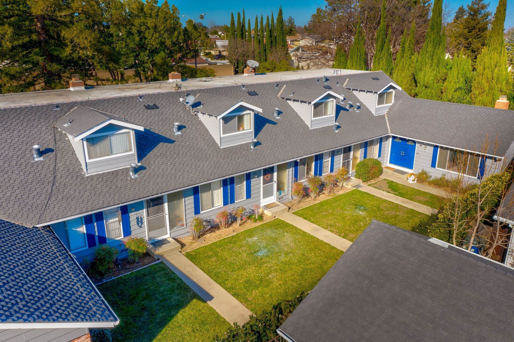 5. Multi-Family Homes for Sale at Four-plex in Sunnyvale, Cupertino Union School District 103 Exeter Court Sunnyvale, California 94087 United States