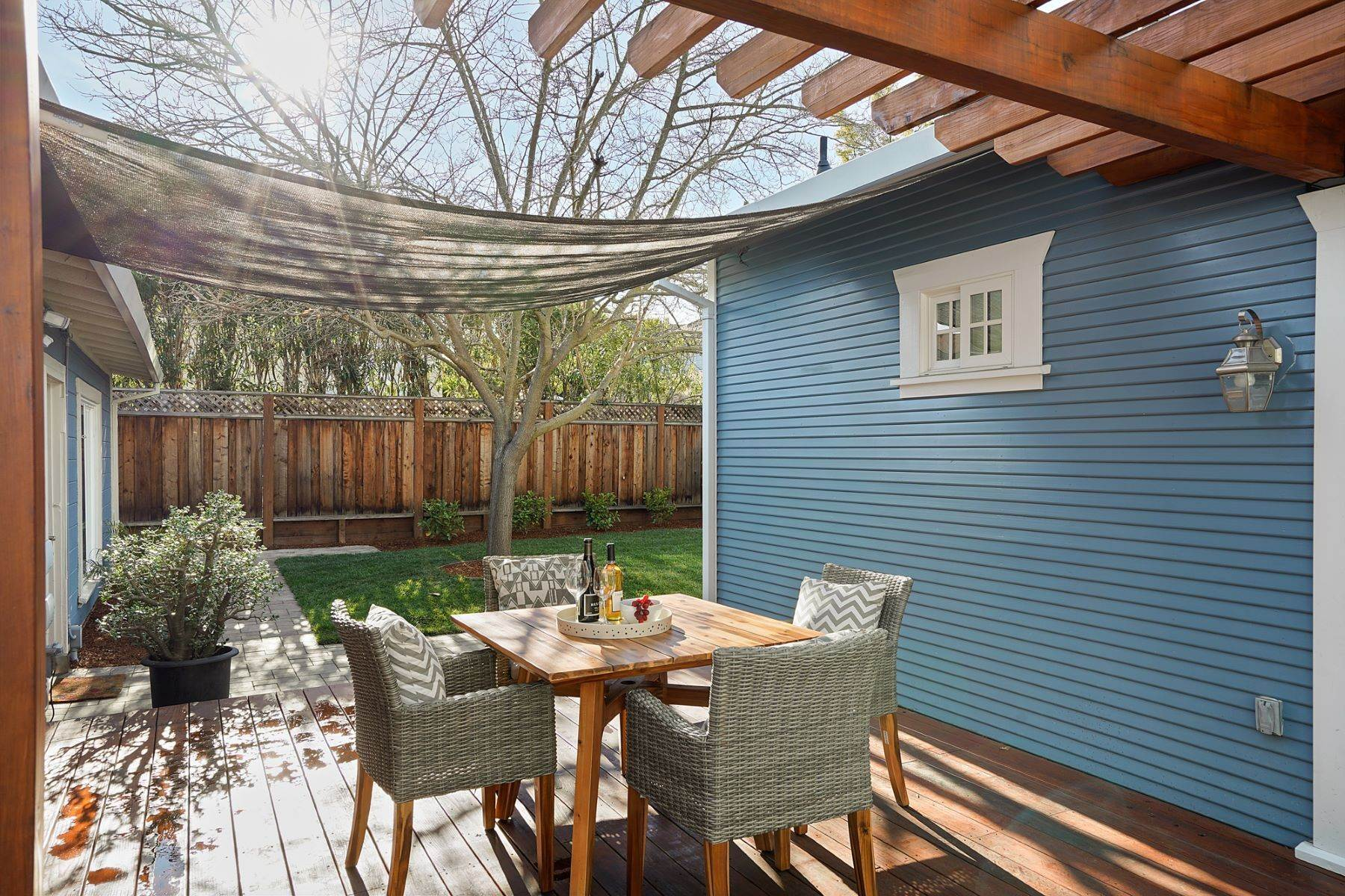 24. Single Family Homes for Sale at Turn-key Craftsman PLUS a Detached Bonus ADU 930 Fulton Street Redwood City, California 94061 United States
