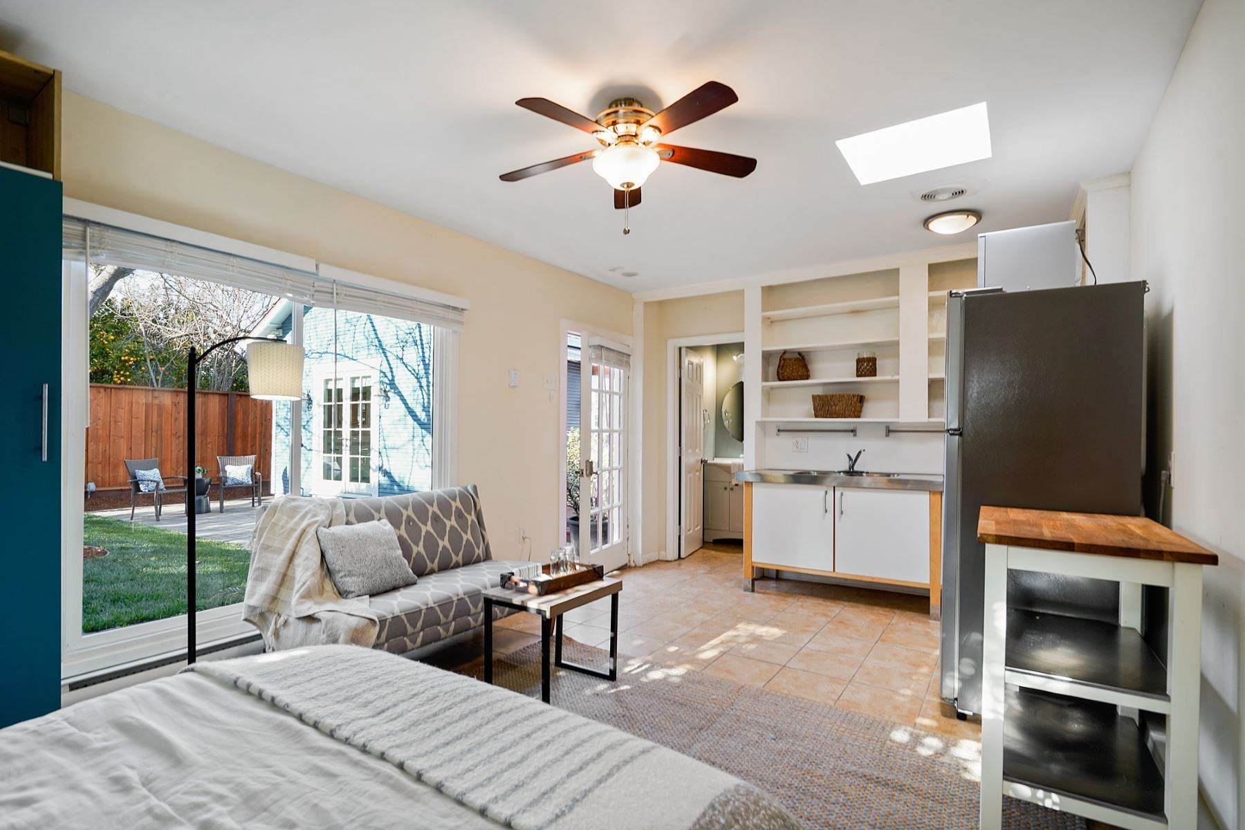 30. Single Family Homes for Sale at Turn-key Craftsman PLUS a Detached Bonus ADU 930 Fulton Street Redwood City, California 94061 United States