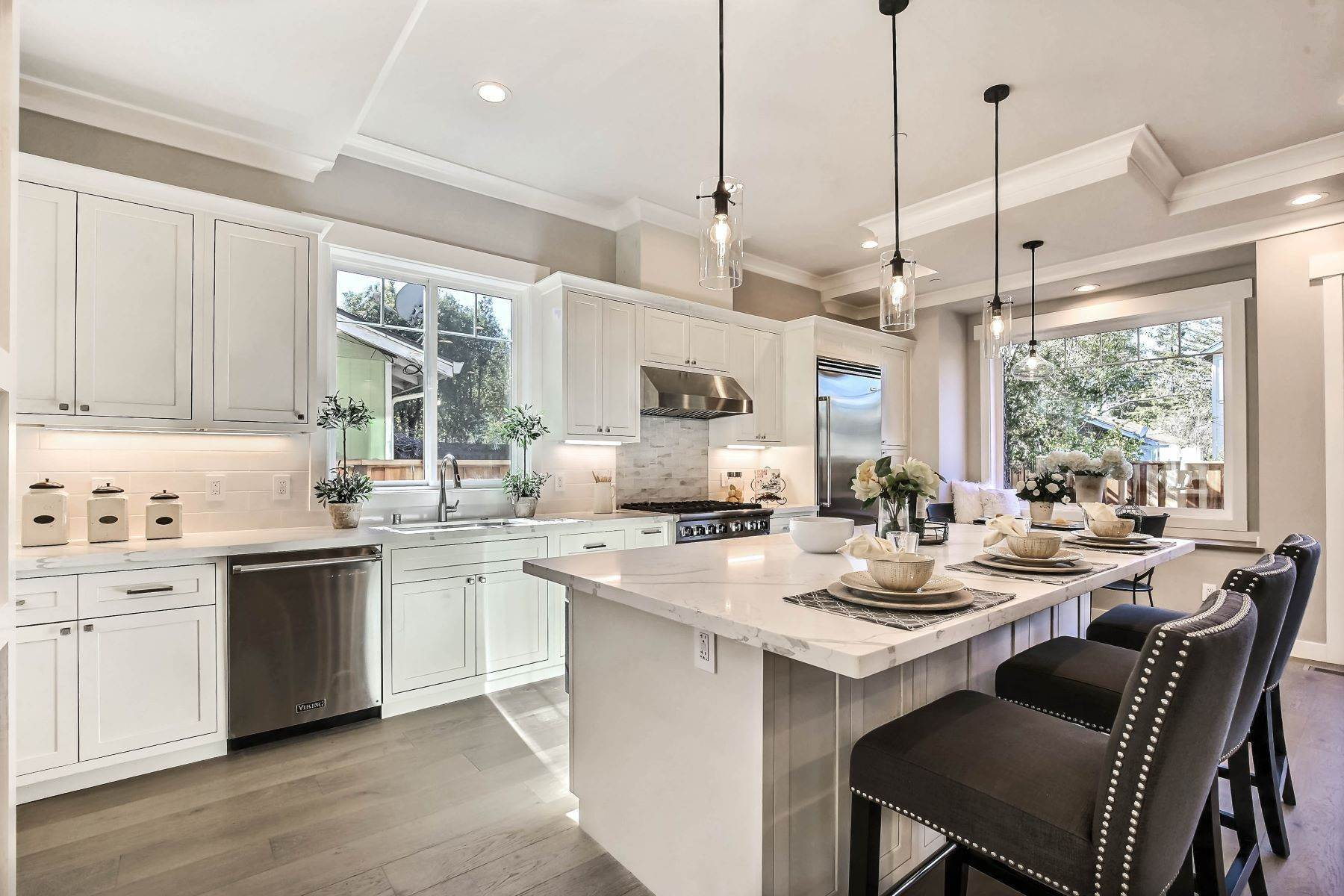 7. Single Family Homes for Sale at Brand New Menlo Park Home 611 12th Avenue Menlo Park, California 94025 United States