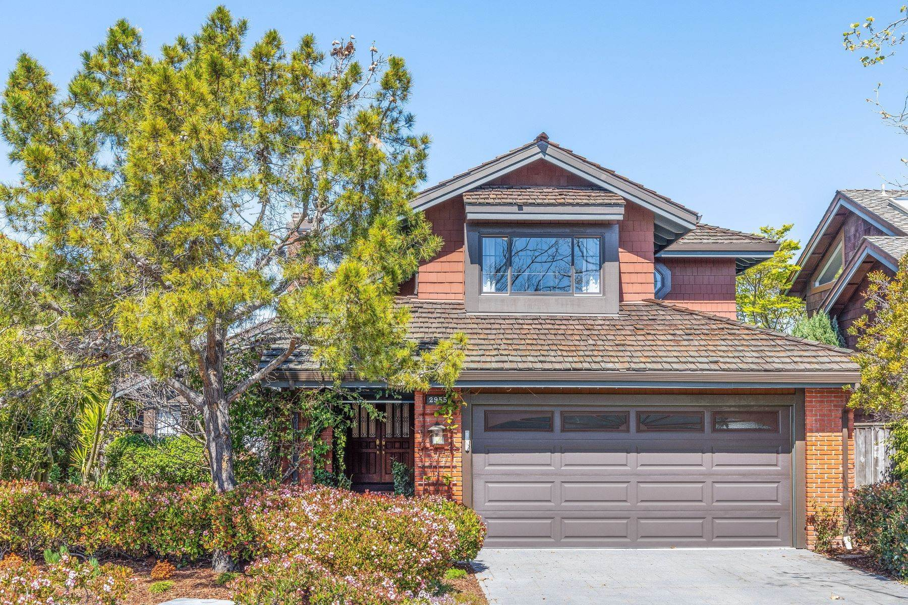 Single Family Homes for Sale at Exceptional Harbor Bay Waterfront Home 2955 Sea View Parkway Alameda, California 94502 United States