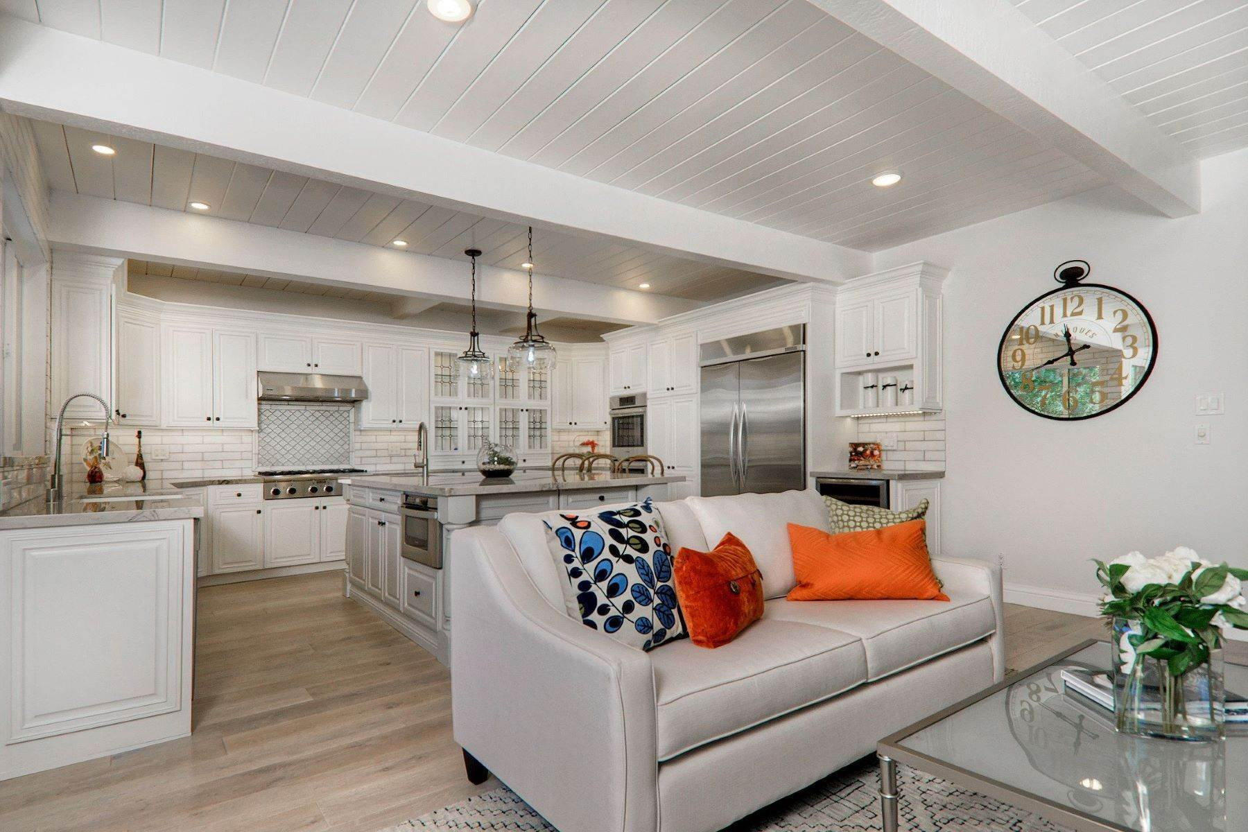 9. Single Family Homes for Sale at Completely Renovated Mid-Century Retreat 220 Frances Lane San Carlos, California 94070 United States