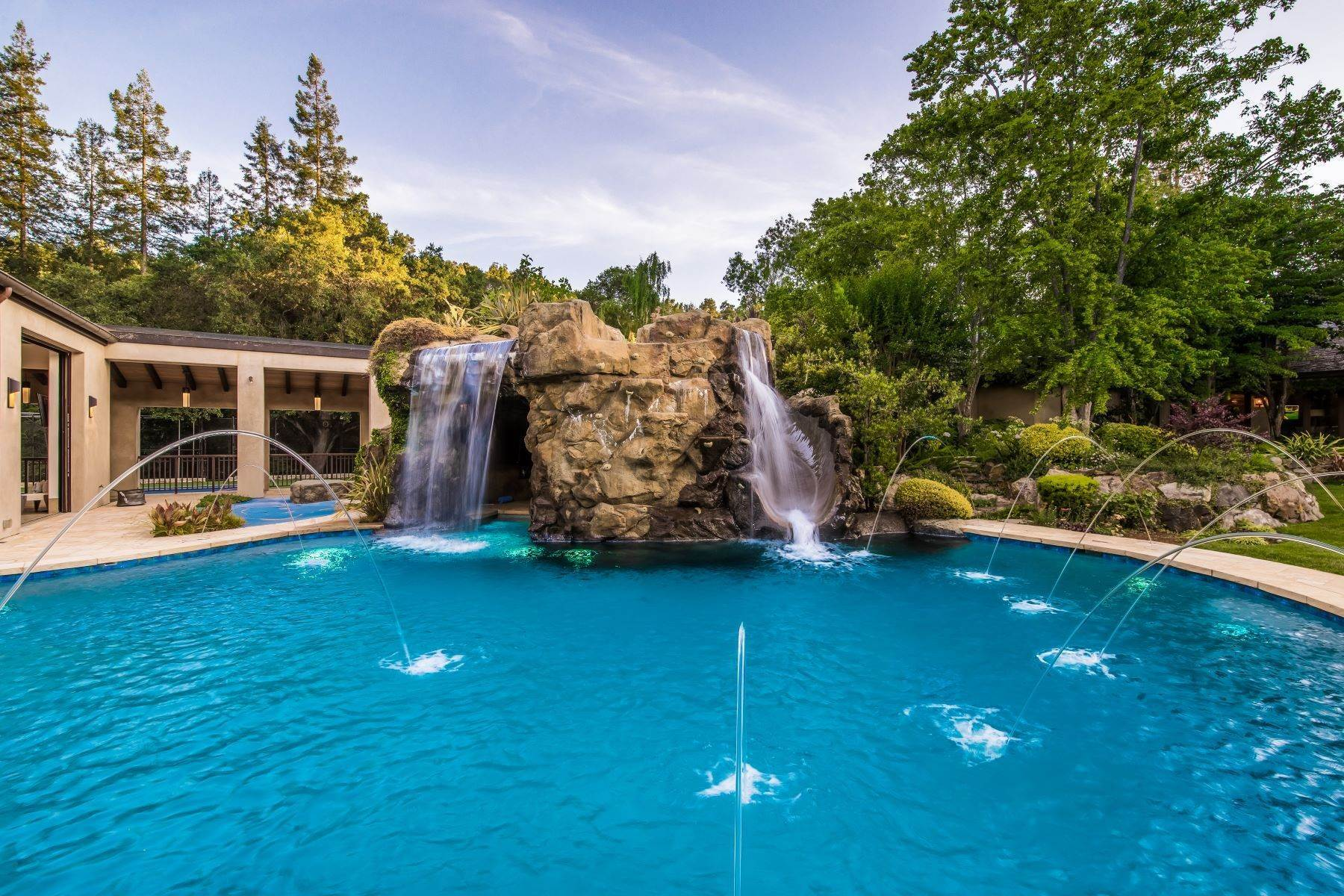 14. Single Family Homes for Sale at Happy Valley Exclusive 3941 Happy Valley Road Lafayette, California 94549 United States