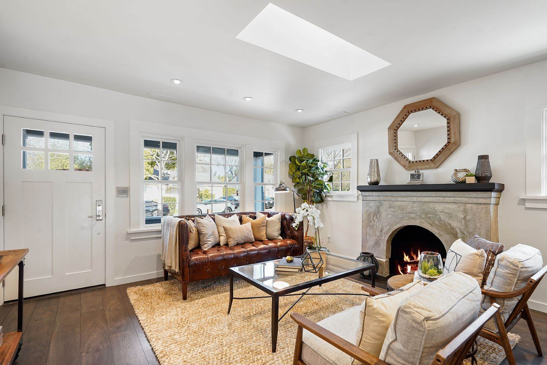 4. Single Family Homes for Sale at Turn-key Craftsman PLUS a Detached Bonus ADU 930 Fulton Street Redwood City, California 94061 United States