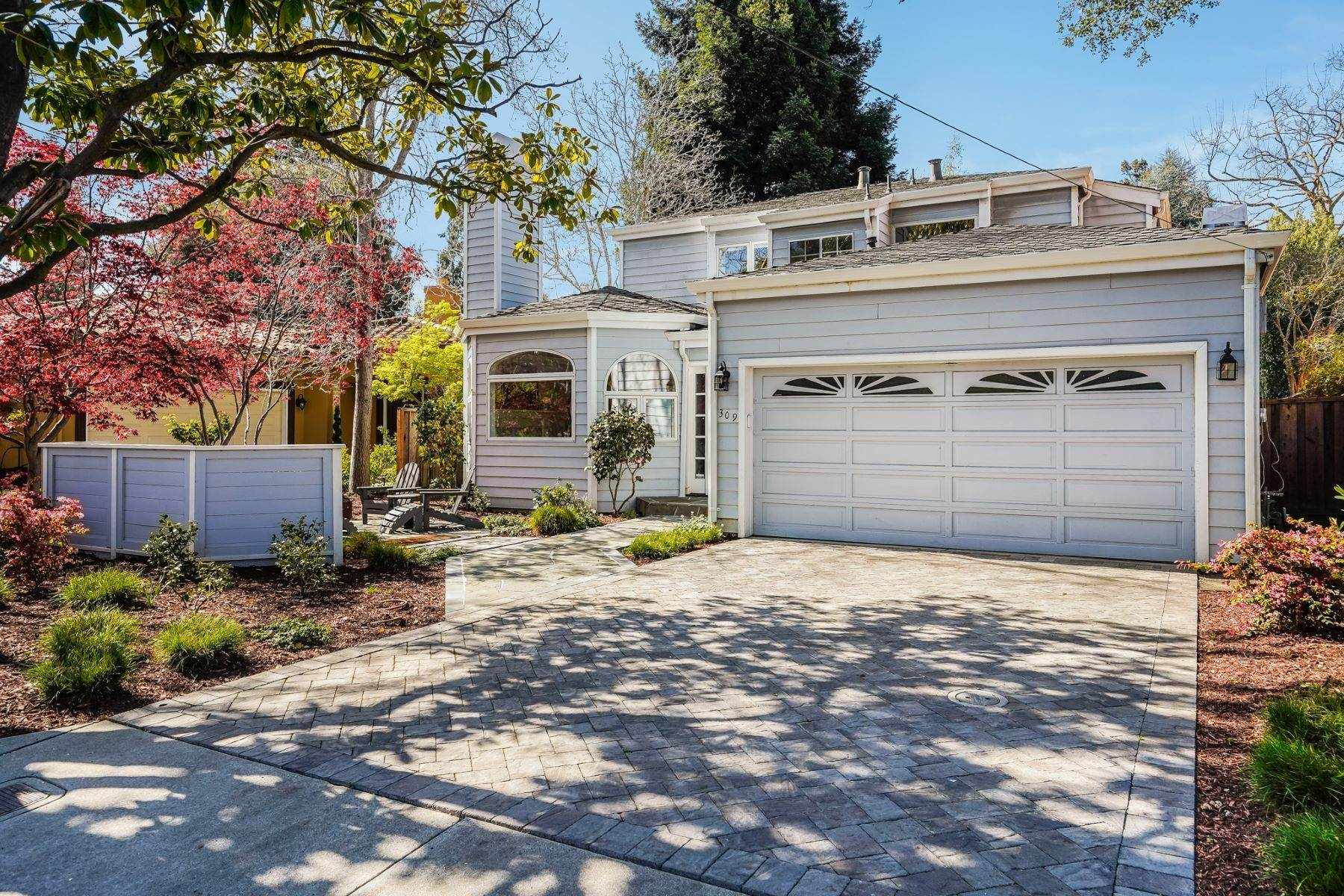 Single Family Homes for Sale at Comfortable living in Allied Arts, Menlo Park 309 University Drive Menlo Park, California 94025 United States