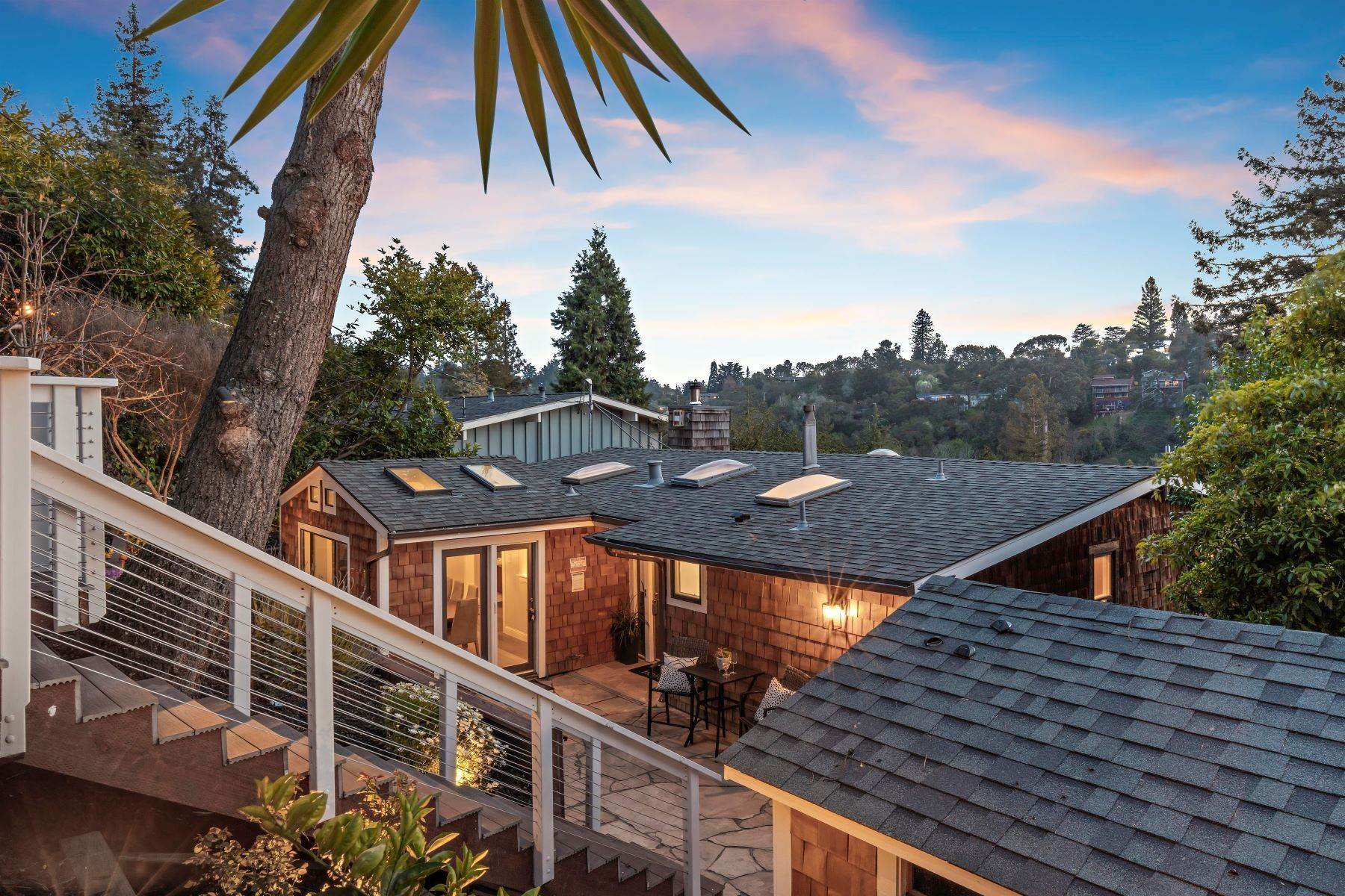 2. Single Family Homes for Sale at Charming Mid-Century Retreat 255 Capricorn Avenue Oakland, California 94611 United States