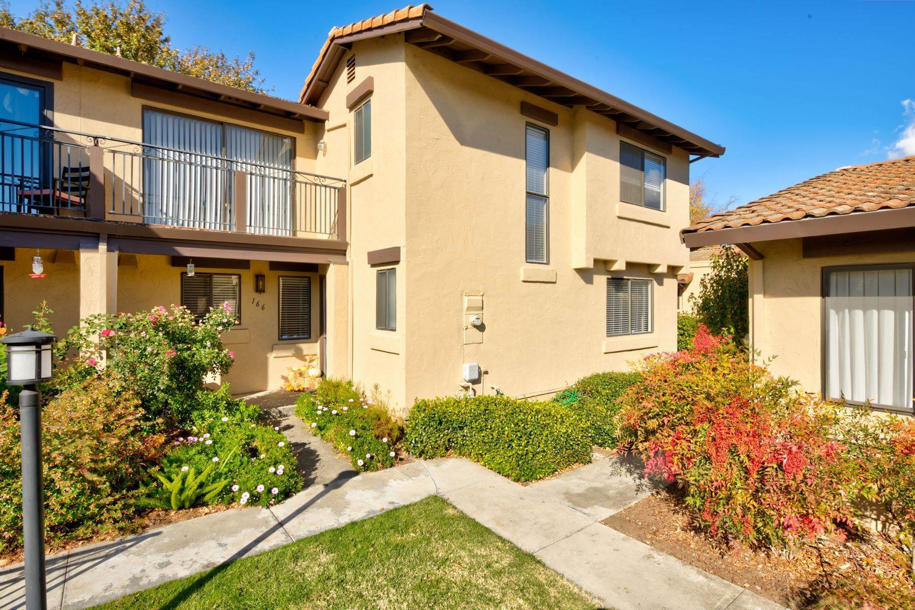 townhouses for Sale at La Mancha - Rare 3 Bedroom Town-home 166 La Mancha Dr Sonoma, California 95476 United States