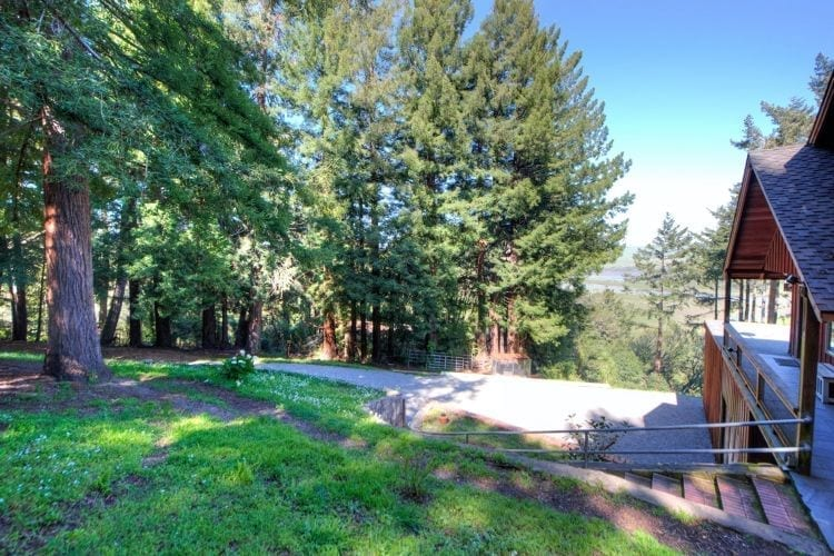 15 Drakes View Dr Inverness CA 94937